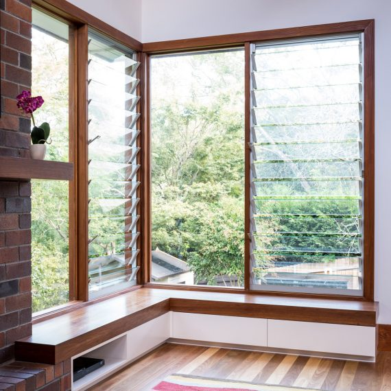 Gordon Window Seat